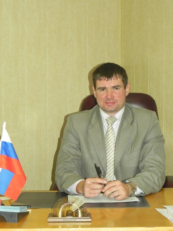 Начальник отдела по делам молодёжи администрации муниципального образования город Армавир: Зинченко Виталий Николаевич.