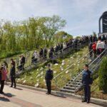 Митинг у памятника 6680 погибших мирных жителей
