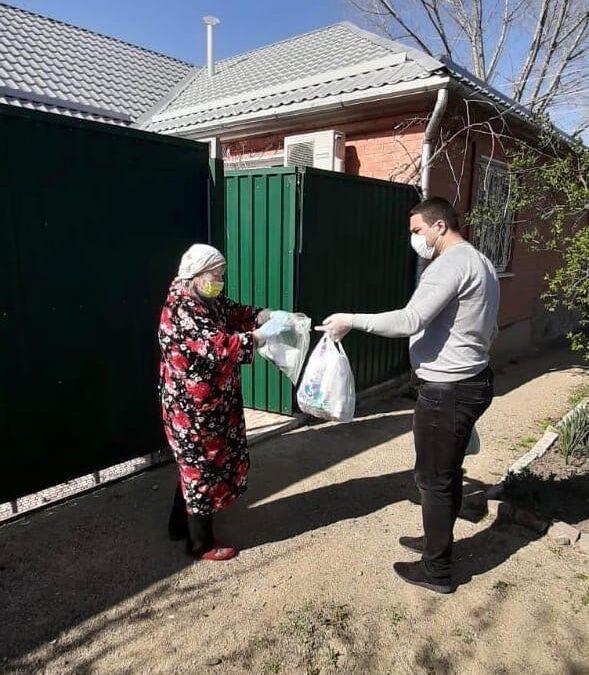 В Армавире на помощь пожилым людям вышли добровольцы
