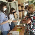 Волонтёры на избирательных участках