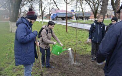 Акция «60 деревьев к 60-летию полета Ю.А. Гагарина в космос»